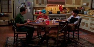 Two and a Half Men 04x02 : Who's Vod Kanockers?- Seriesaddict